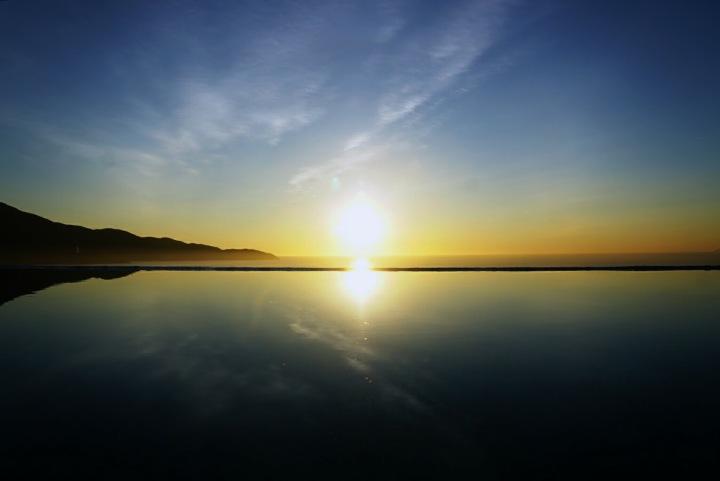 【越南峴港住宿推薦】單是這無邊際泳池的絕美日出,就值得來住一晚了!