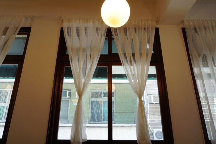 【台南咖啡館】Paripari apt. 之下、鳥飛古物之上的 St. 1Cafe