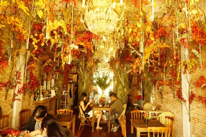 【曼谷古城咖啡館】帕空花市旁的浪漫花房咖啡館 Floral Cafe byNapasorn