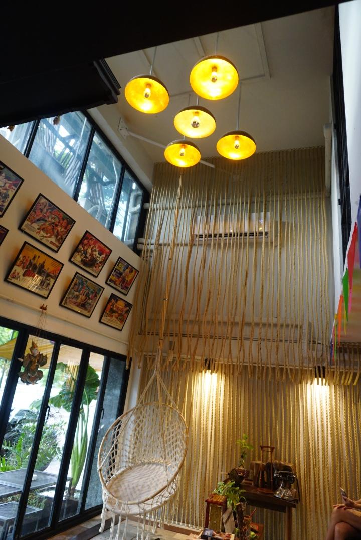 【曼谷青年旅館推薦】來古城大鞦韆旁住一晚~ChingCha Hostel及悠賞古城風光的Swing Bar平價屋頂酒吧