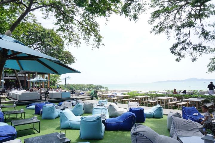 【Pattaya 芭達雅】微風徐徐吹來的大樹下實在太好躺啦~The Sky GalleryPattaya