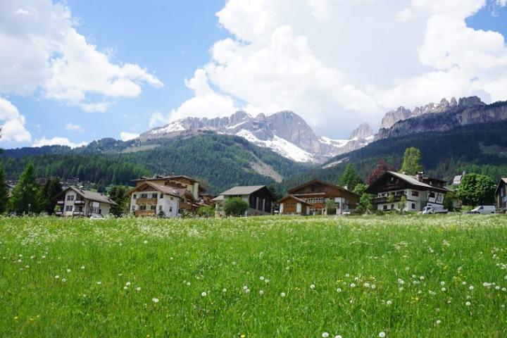 【北義多洛米蒂山區路線建議】到阿爾卑斯山散散步吧~不自駕也可悠遊於Dolomiti童話世界